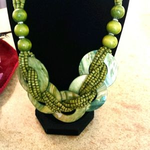Ladies Vintage necklace shells green beads.